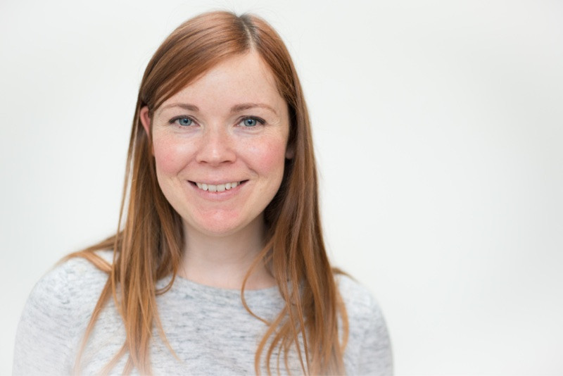aberdeen-business-commercial-headshot-photographer-smiling-ginger-girl