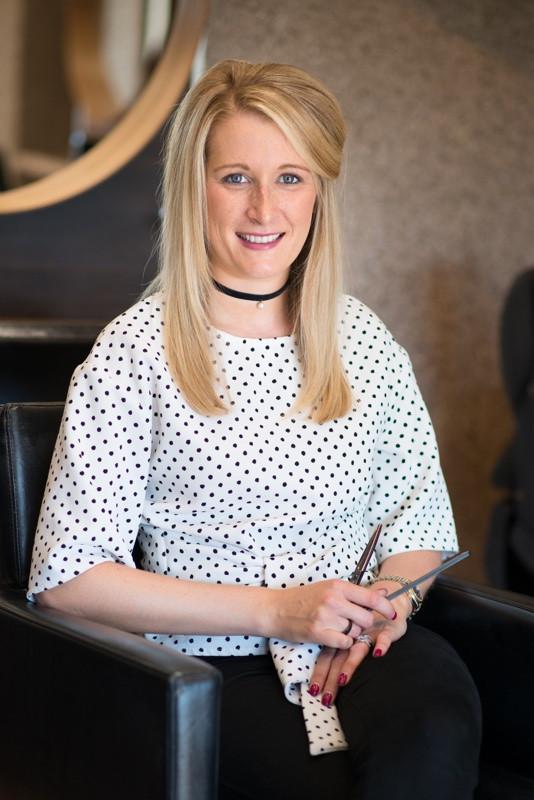 aberdeen-headshots-photographer-hair-stylist-at-the-house-salon