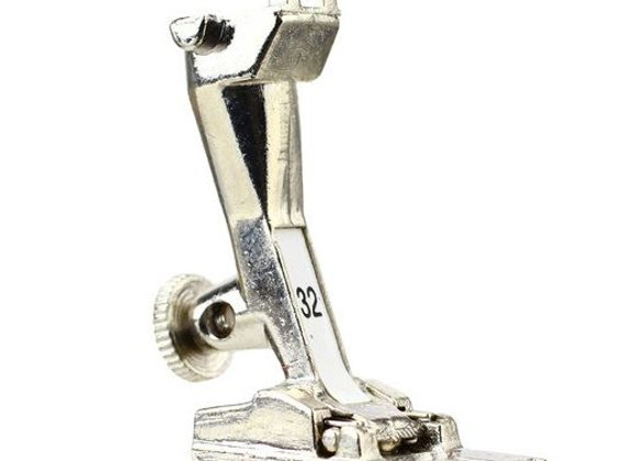 Bernina Genuine Old Style Foot No. 32