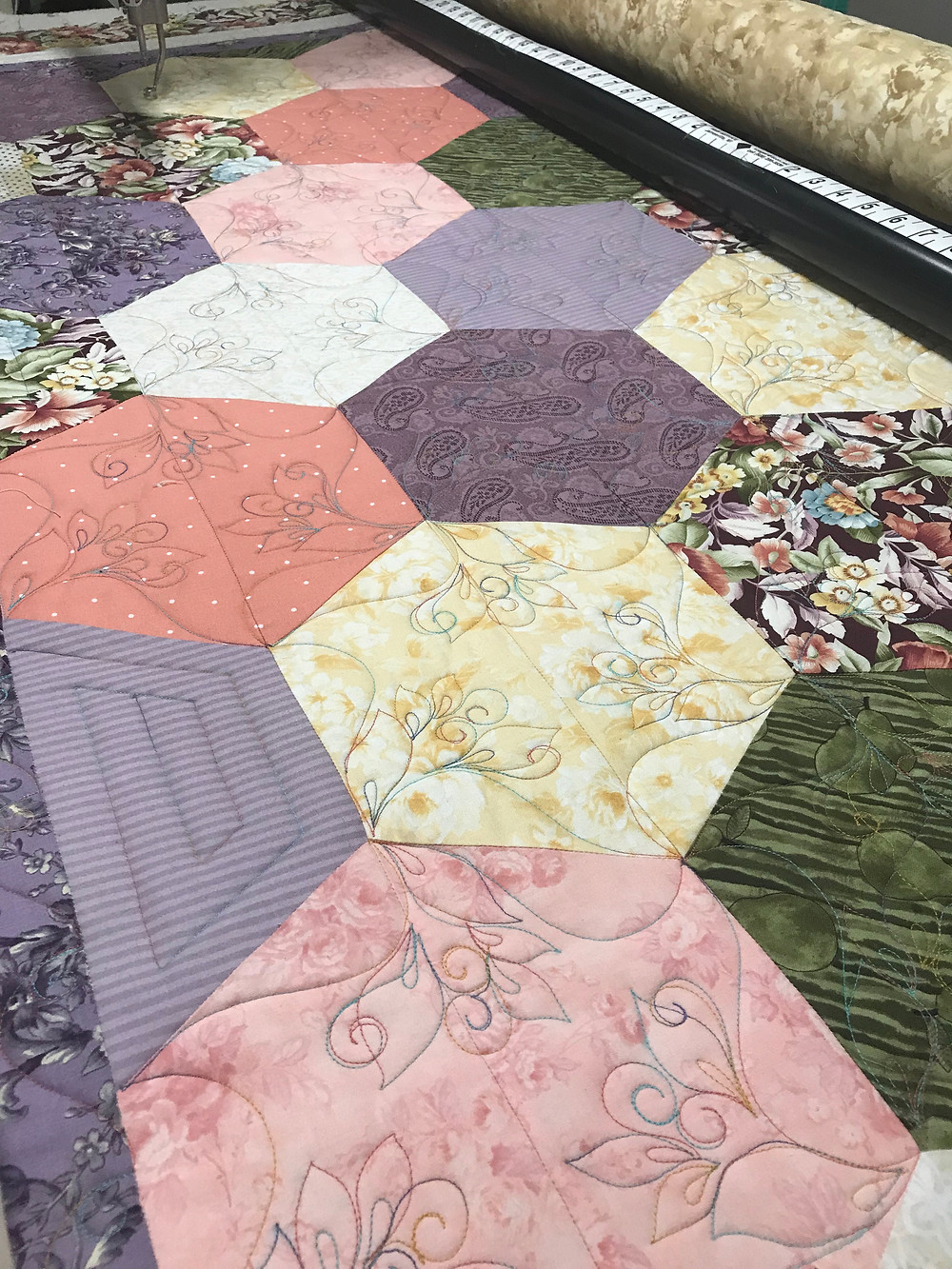 Hexi Quilt Machine Quilting Design by Sally Terry