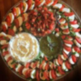 Capresé! 🍅 _#thymebundle #partyfood #fo