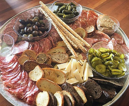 Charcuterie for the gold! 🙌🏼 #partyfoo