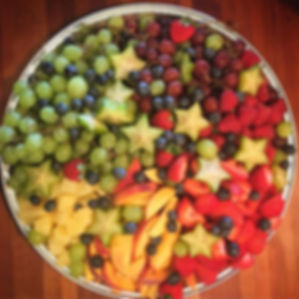 🌈 #partyfood #thymebundle #fruitplatter