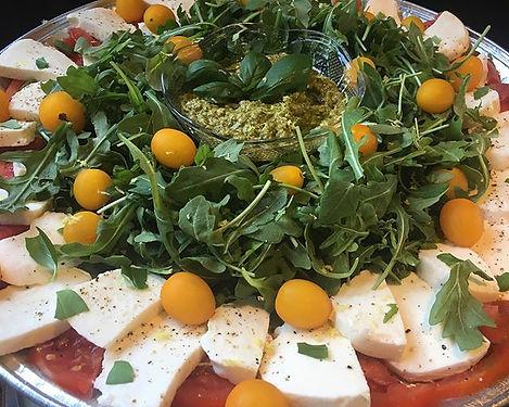 Yes. Tomato season! 🙌🏼 #caprese platte