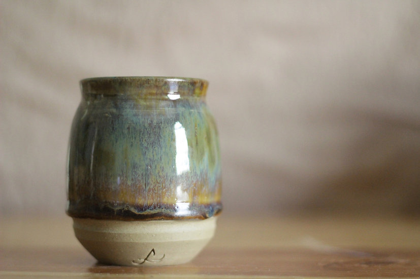 Falling Oberons Vase