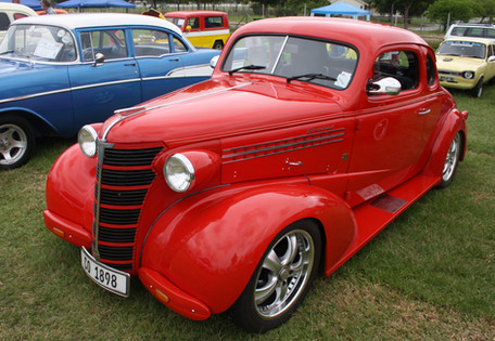 1938_Chevrolet_Street_Rod_(12402582783).jpg