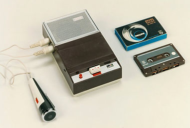 Primer modelo de magnetófono de cassette Philips