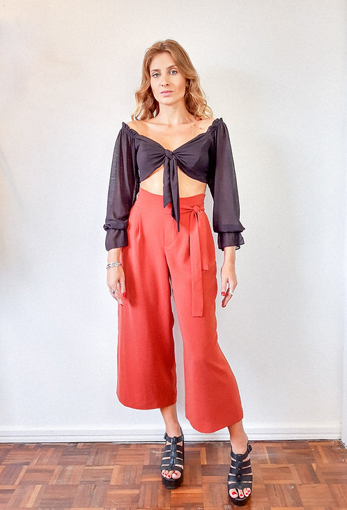 Blusa cropped com amarração