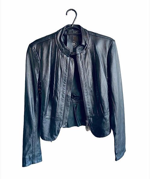 Jaqueta em couro preto