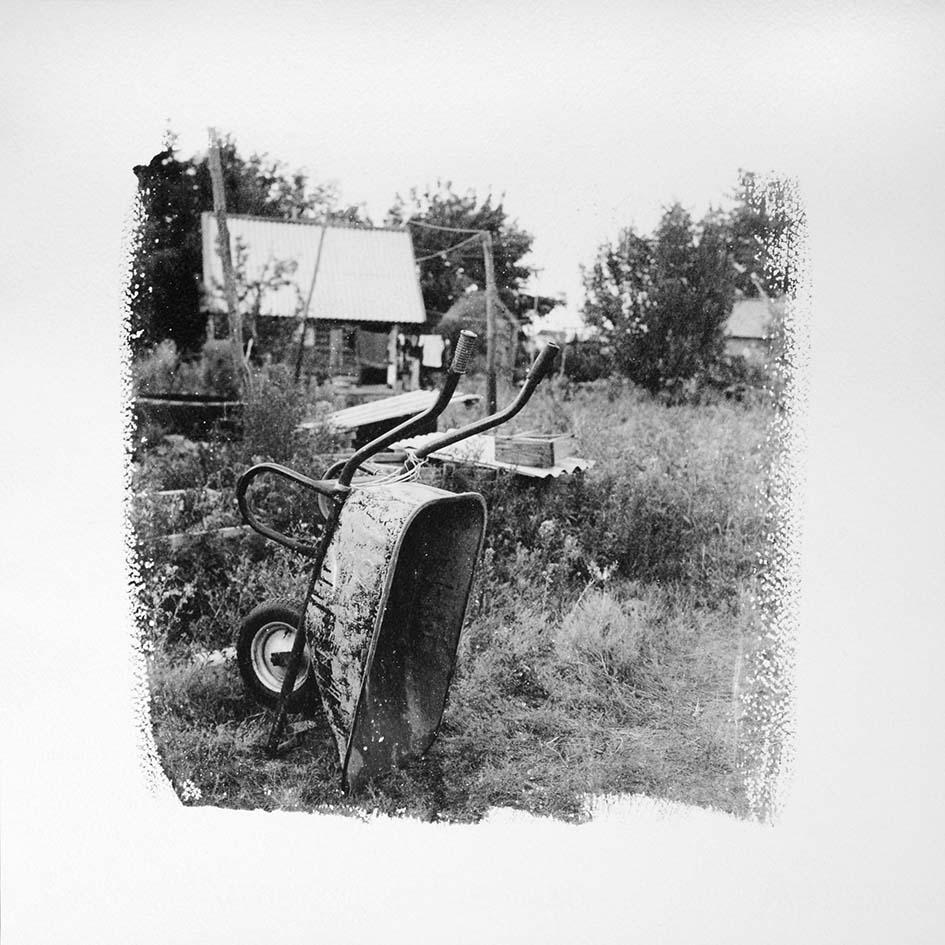 wheelbarrow b&w web