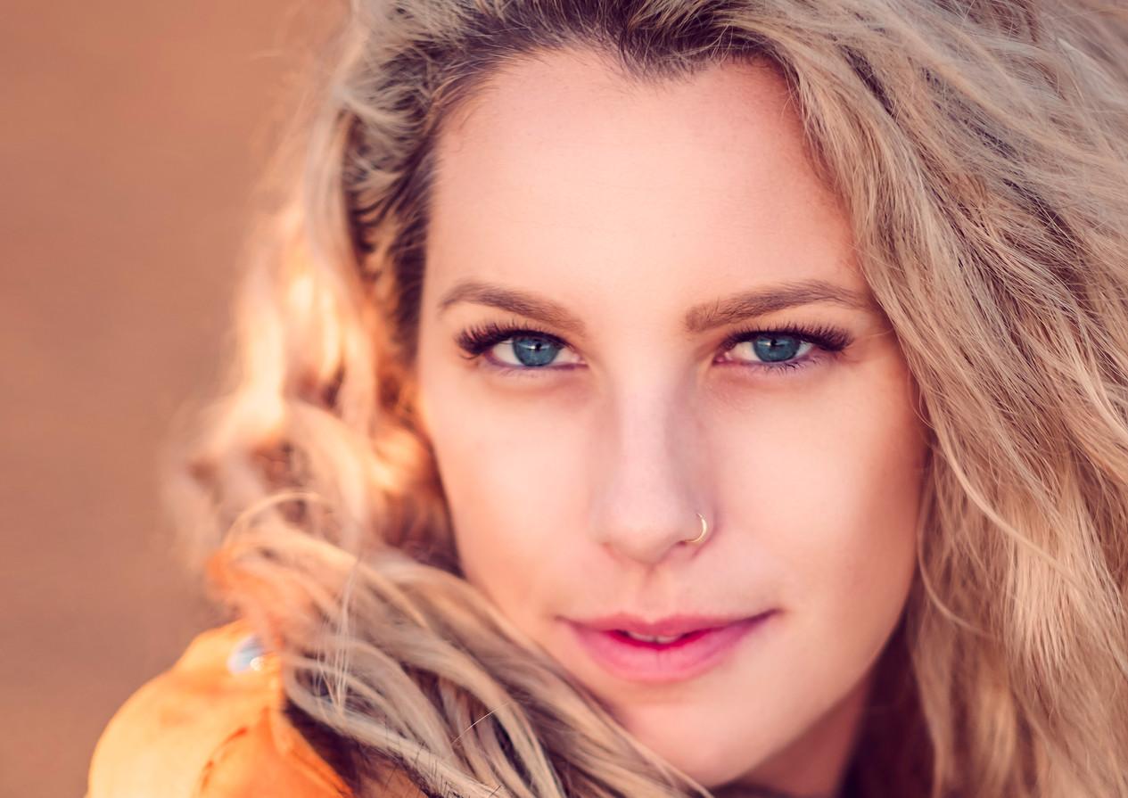 blonde girl beautiful portrait