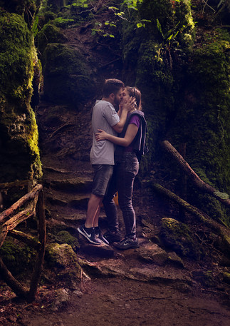 puzzle woods, couple shoot, aiva grasberga