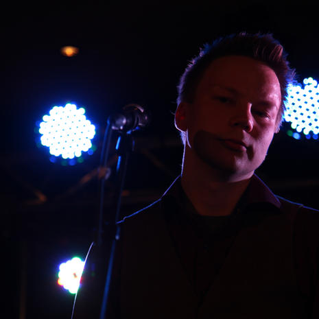 Niillas Holmberg - assimilaatio blues