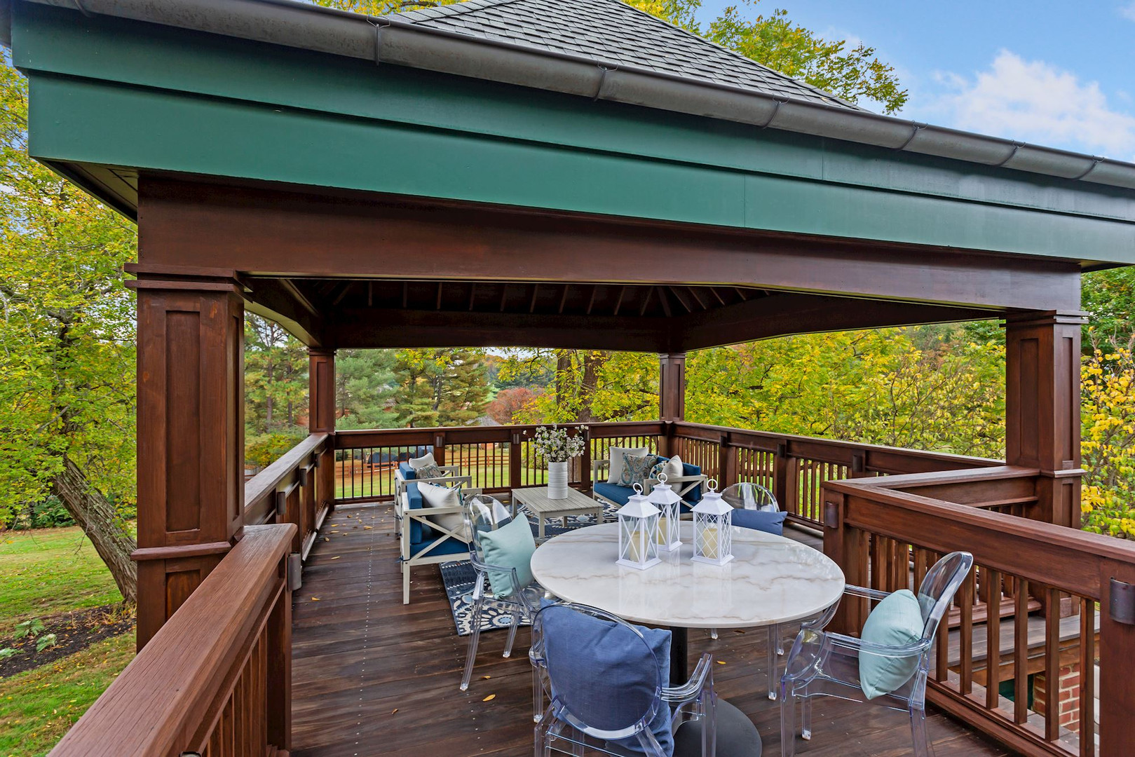 Private Owner's Suite Deck
