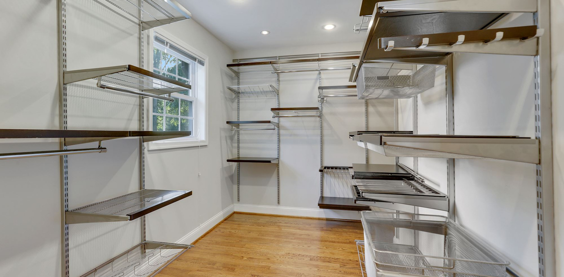 Owners Walk-In with Installed Closet System