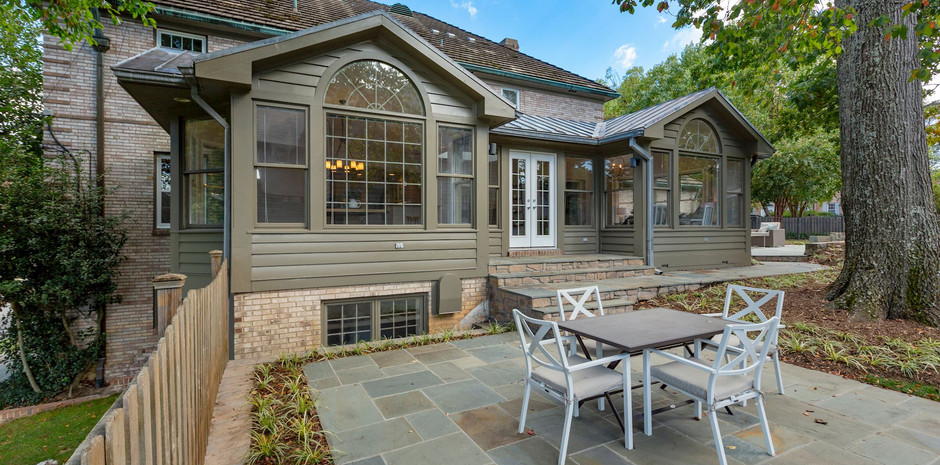 Perfect for Outdoor Dining...