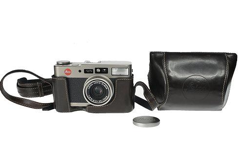 Leica CM ZOOM 35mmFilm Camera