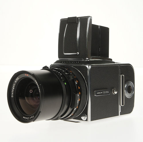 Hasselblad 500C/M CM (Zeiss Distagon T* C 50mm F/4 Lens)