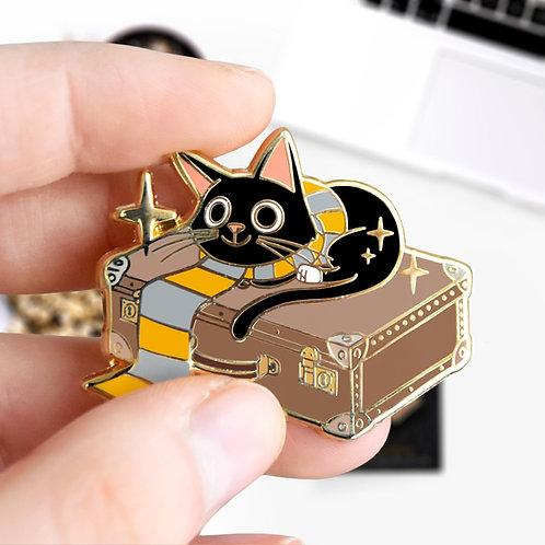Pin's Jackson Norbert Dragonneau, Animaux Fantatsiques, Harry Potter, hard enamel doré, designé par Emma Sanchez, Amay Sancha