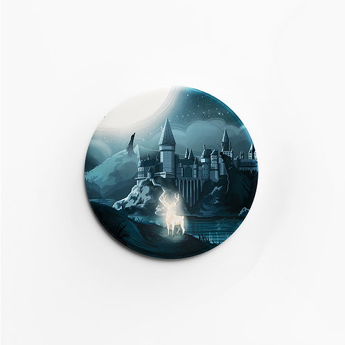 Badge mat soft touch, sensation peau de pêche, 45 mm, épingle, Harry Potter, Poudlard, designé par Emma Sanchez, Amay Sancha