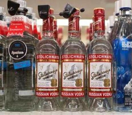 ¡El vodka y el caviar no pueden faltar en la mesa ni en tu maleta!