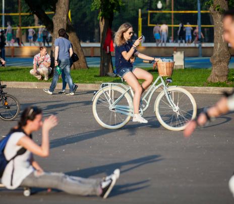 Parque Gorki: Recorrer la cultura rusa en bicicleta