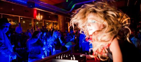 Tour Bar Moscu, city pub crawl moscu, city tour fiesta en moscu, carrete en moscu