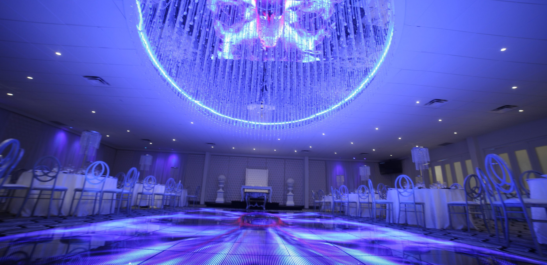 Wedding ballroom Montreal -Roma Receptions-Royale.jpg