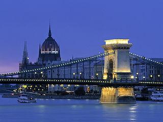 Chain-Bridge-Budapest-Hungary_edited.jpg