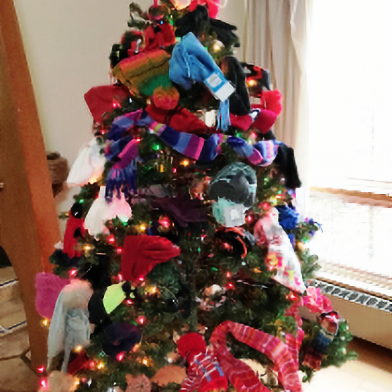 Extended dates!! Traditional Annual Mitten Tree: Dec. 7-17, 9am-4pm