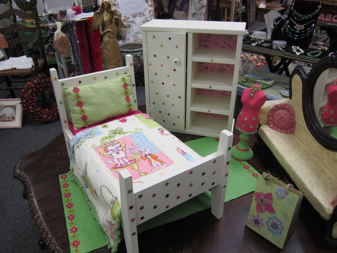 Look at this American Girl doll bed!