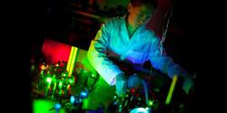 02-anna-laser-800x400.jpg