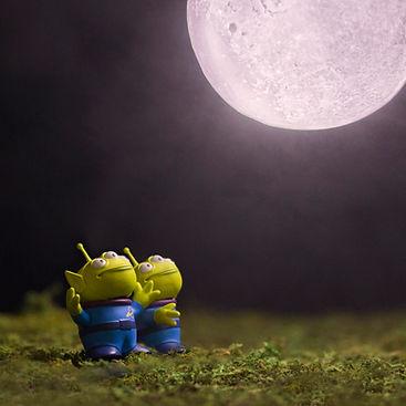 9 Toy Story Aliens Moon.jpg