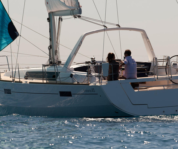 oceanis 45 - Blanc Bleu II - location vo