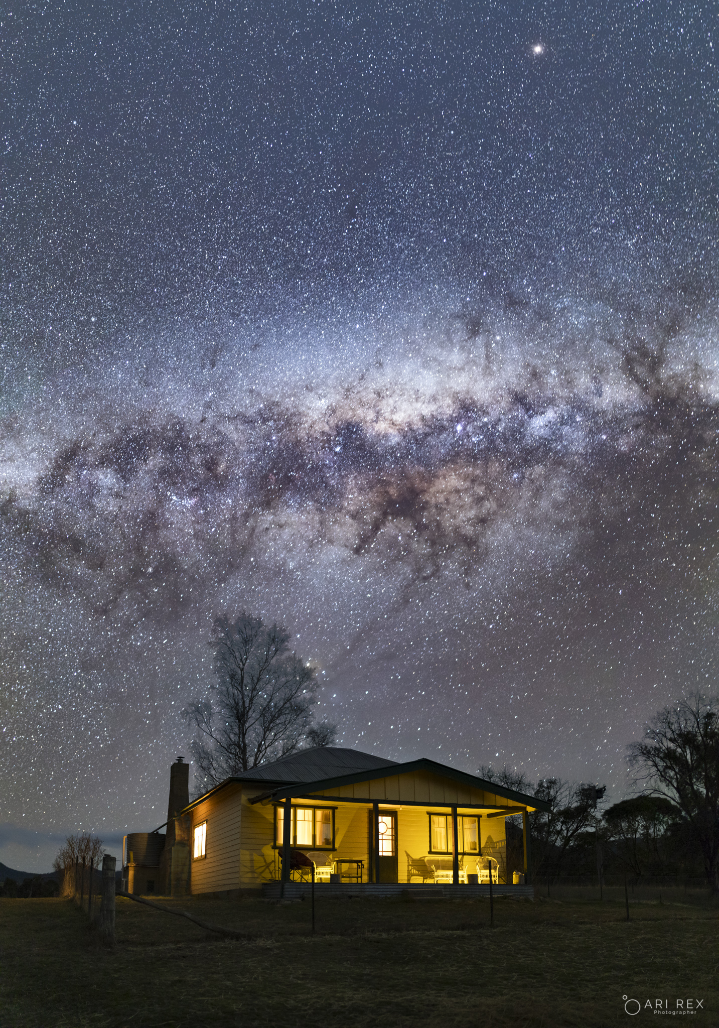 Mars and Milky Way at Ready Cut Cott
