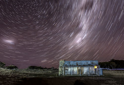 Brayshaws Family hut (Startrail)