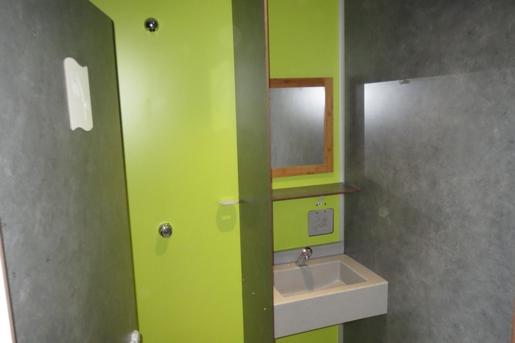 Cabine douche + lavabo