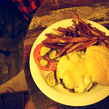 Cheeseburger Done Right - 1_edited.jpg
