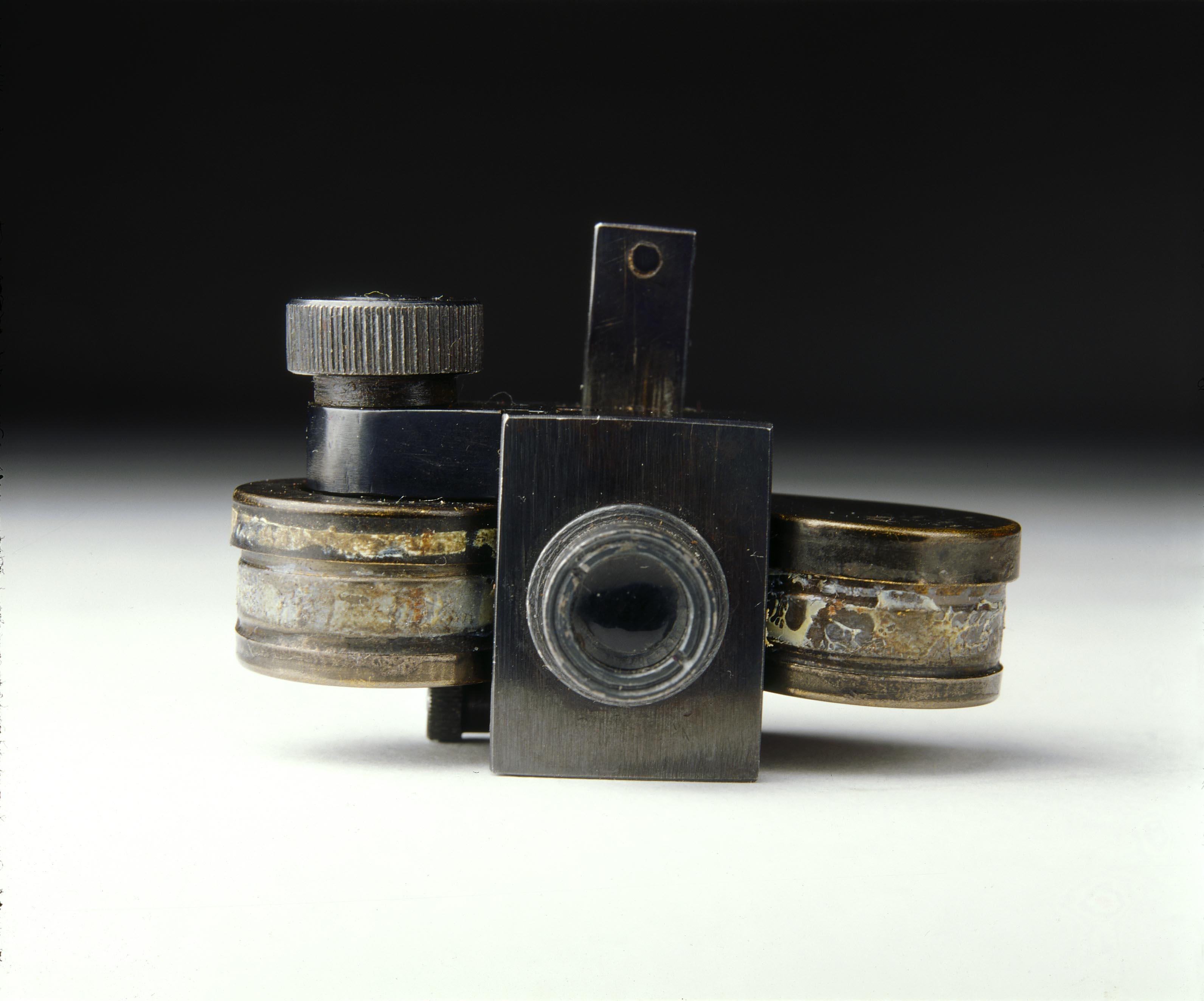 Microdot Camera