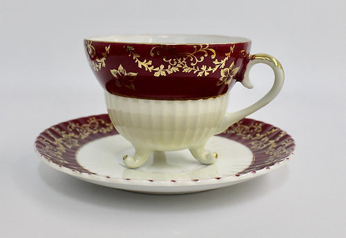 Tri-Footed Chase Teacup Candle