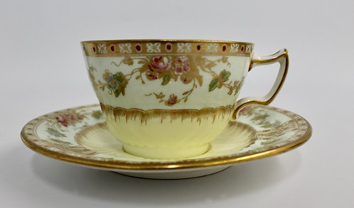 Golden Delight Teacup Candle