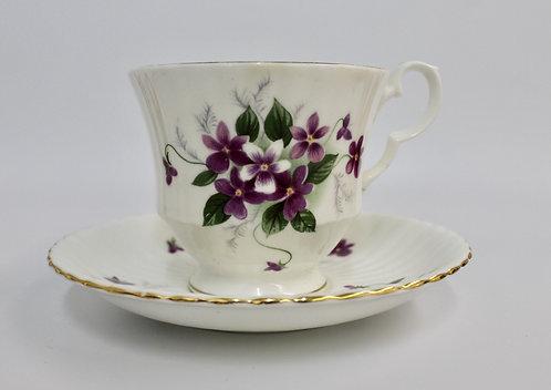 Royal Windsor Purple Violet Teacup Candle