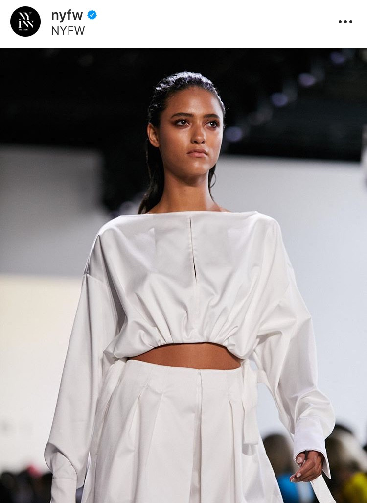 brilliant white, pantone, blanco brillante, blanco, color trend, tendencias, color blanco, total white, outfit white, catwalks, summer 2020, verano, fashion, moda, revista, magazine, pty, panama