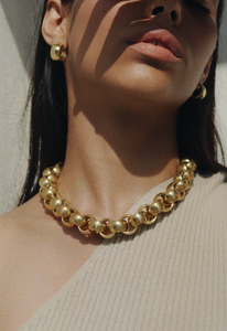 chain, necklace, collar de eslabones, accesorios, accessories, girly, fashion, moda, femenina, mujer, tendencias, dorado, gold, revista, magazine, panama