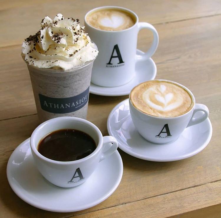 cafe coffe amigas friends date granos de cafe lifestyle bogota miami venezuela panama mejores lugares pty athanasiou