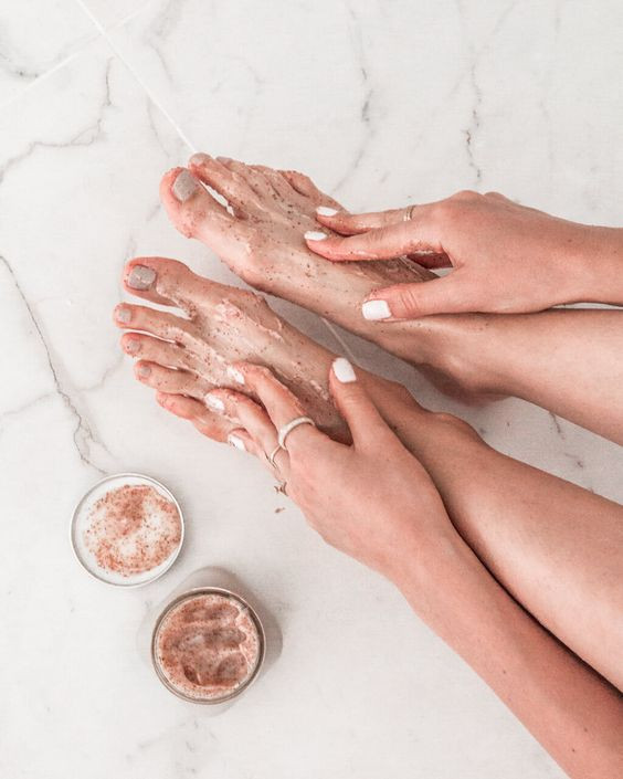 skin care cuidado de la piel pies feet pies arreglados suavidad belleza beauty magazine revista panama bogota miami caracas