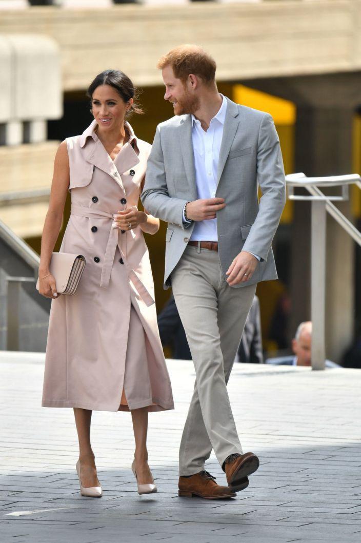 trench coat abrigo gabardina abrigo beige inspiracion estilismo verano moda tendencia moda fashion fashionsita magazine revista panama pty