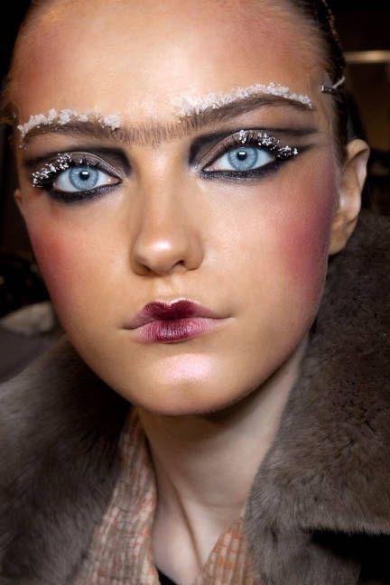 pestañas eyelashes eyelash rimel mascara de pestañas makeup maquillaje makeup artist tendencia trend pasarelas runway mujeres fashion moda beauty belleza revista magazine girly blogger