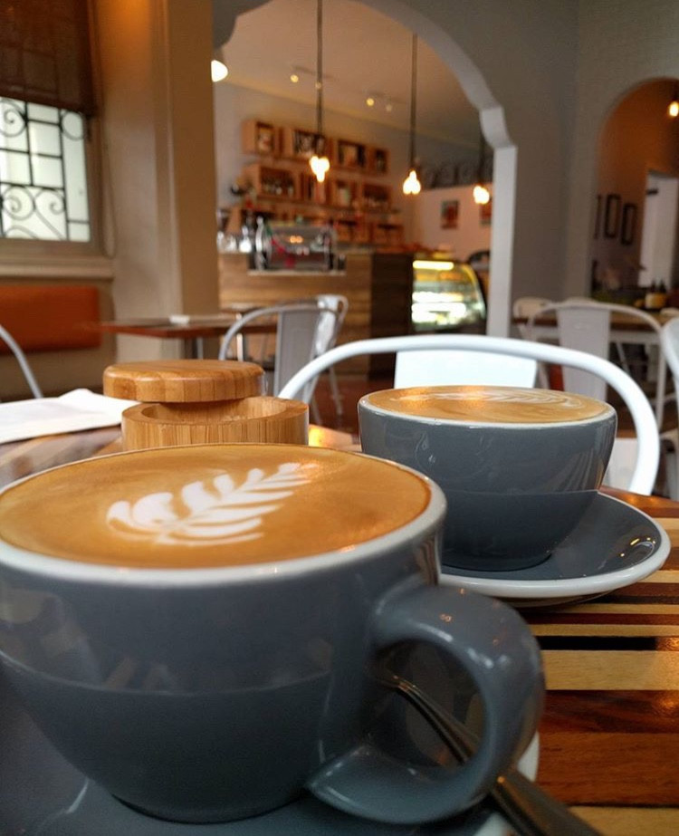 cafe coffe amigas friends date granos de cafe lifestyle bogota miami venezuela panama mejores lugares miranda bakery pty
