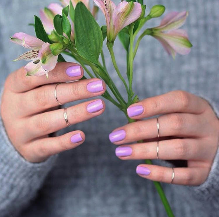 natural nail polish esmalte de uñas natural pintura cuidado personal manos arregladas trend moda fashion belleza beauty cosmetica natural consumo consciente sustainable fashion moda sustentable vegan vegano